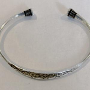 Bracelet mixte cadeau surprise Bijoux touaregs Bracelet ethniques tête carrée en ébène( Mixte pour homme et femme)avec des gravures