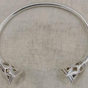 Bracelet mixte sympa argent Bijoux touaregs Bracelet en argent massif têtes losange/ têtes de moulloul avec des motifs très sympas. Bijoux mixte pour homme /femme.