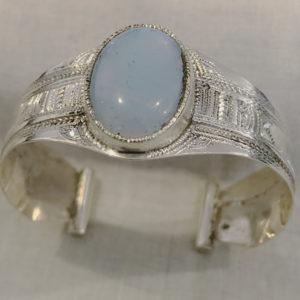 Bracelet femme opale anniversaire Bijoux touaregs Bracelet en argent massif pour femme pierre d'opale très sympa.