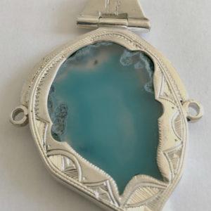 Collier bleu mixte moderne Bijoux touaregs, pendentif articulé en argent et agate bleue turquoise mixte, produit unique.