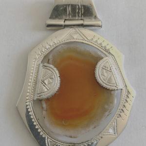 Collier argent marron mixte Bijoux touaregs, pendentif en argent massif et pierre d'agate marronne .Collier mixte,