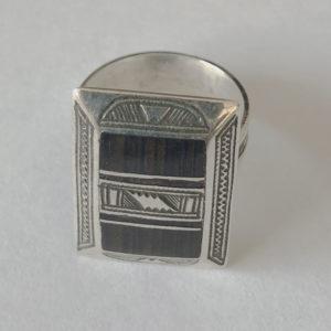 Bague mixte design moderne Bijoux touaregs, Bague mixte en argent et bois d'ébène de taille 55 forme rectangulaire Bijou unique