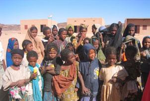les écolières et écoliers du village d'Attri